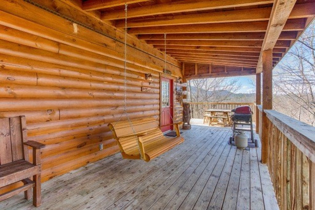 Photo of a Pigeon Forge Cabin named Hooked On Cowboys Lodge - This is the sixteenth photo in the set.