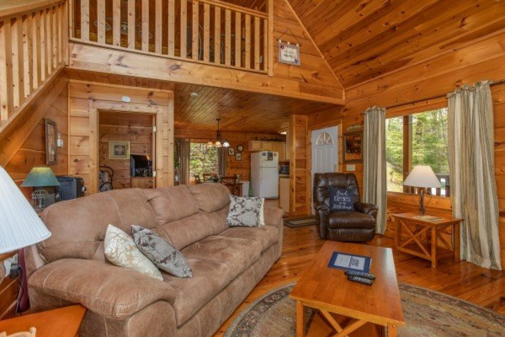 Photo of a Pigeon Forge Cabin named Hillside Haven - This is the fifth photo in the set.