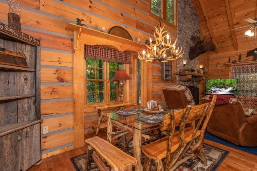 Photo of a Sevierville Cabin named Stream On! - This is the eighth photo in the set.
