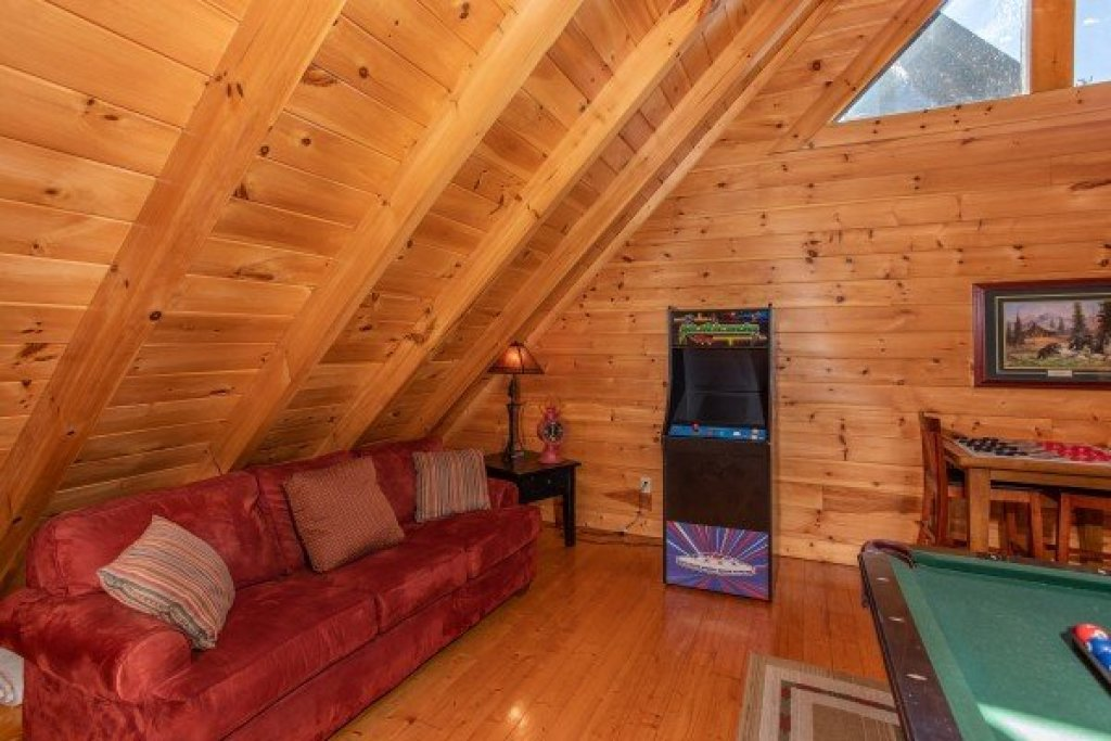 Photo of a Sevierville Cabin named Bear's Eye View - This is the twenty-first photo in the set.