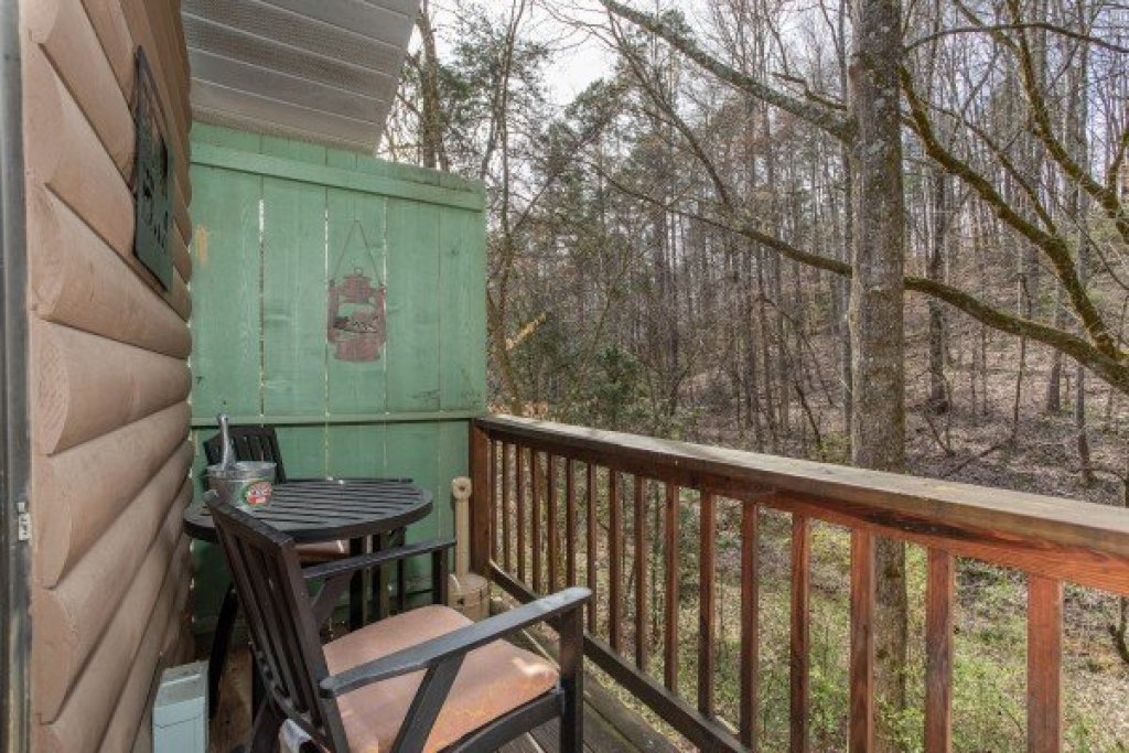 Photo of a Pigeon Forge Cabin named Bear Mountain Hollow - This is the fourteenth photo in the set.