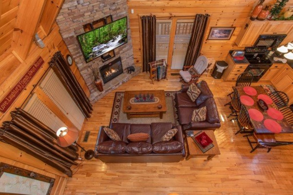 Photo of a Sevierville Cabin named Bear's Eye View - This is the eighteenth photo in the set.