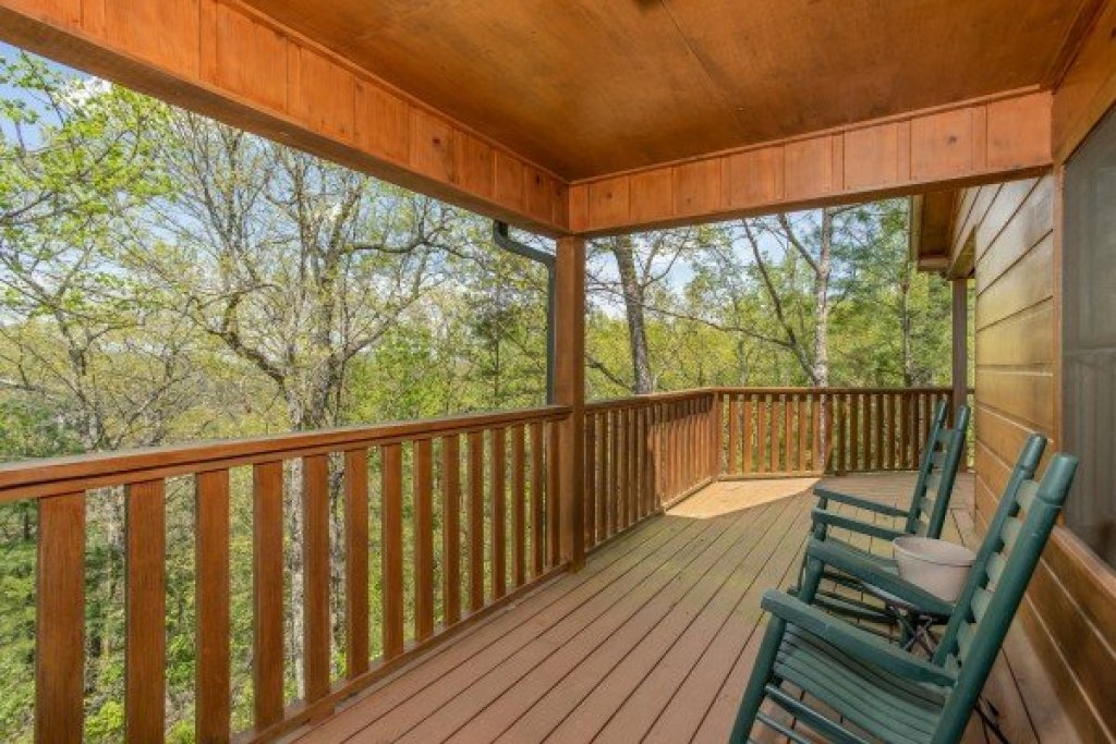 Photo of a Pigeon Forge Cabin named Hillside Haven - This is the seventeenth photo in the set.