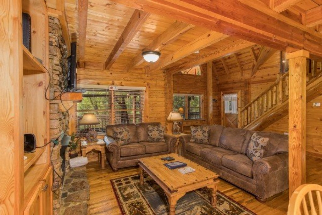 Photo of a Sevierville Cabin named Nature's Paradise - This is the fourth photo in the set.