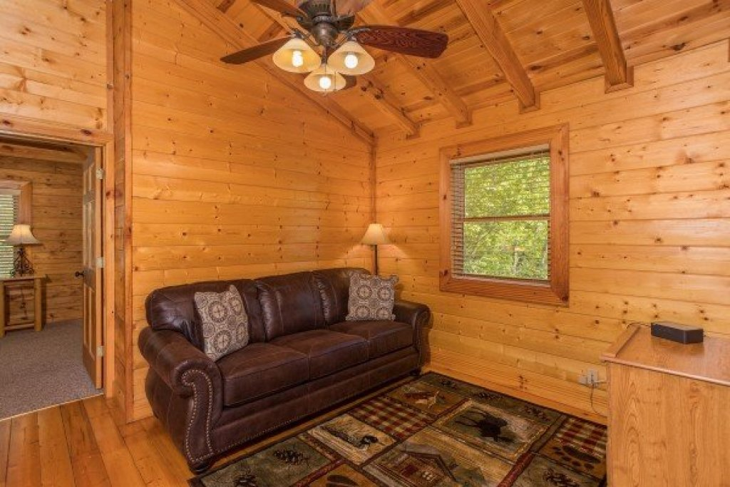 Photo of a Sevierville Cabin named Nature's Paradise - This is the twenty-ninth photo in the set.