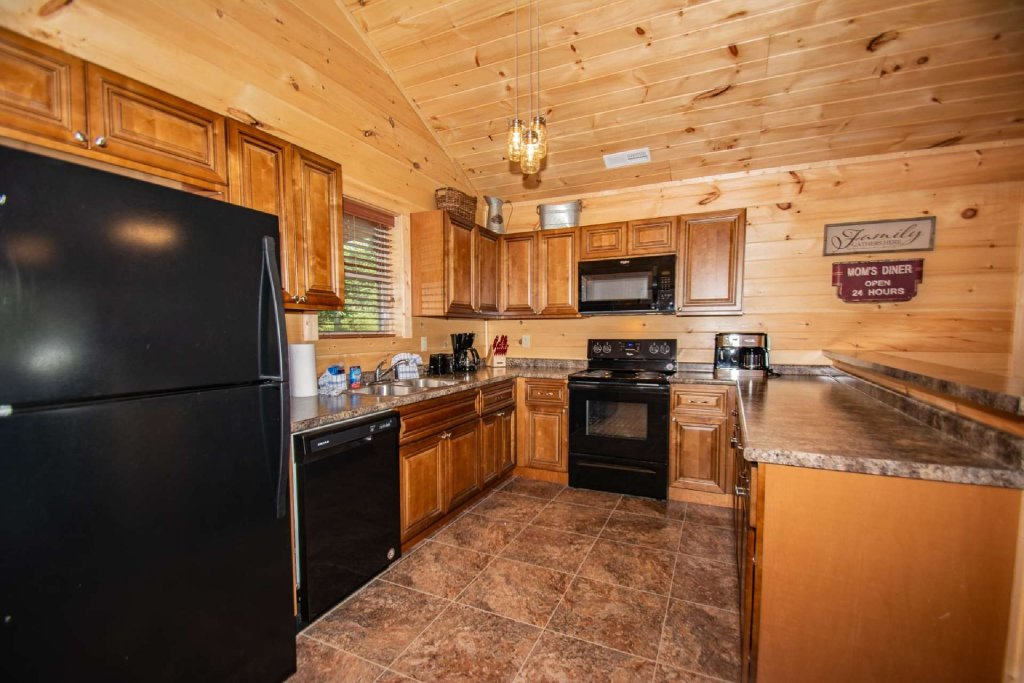 Photo of a Pigeon Forge Cabin named Tana-see - This is the third photo in the set.