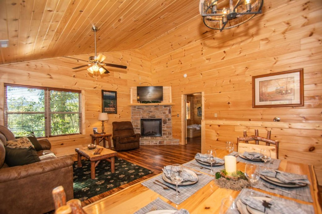 Photo of a Pigeon Forge Cabin named Tana-see - This is the fifth photo in the set.