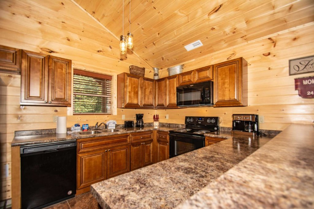 Photo of a Pigeon Forge Cabin named Tana-see - This is the second photo in the set.