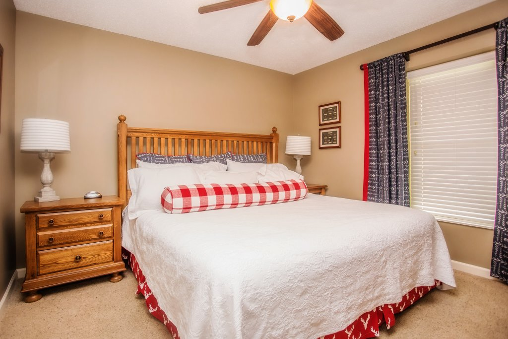 Photo of a Pigeon Forge Condo named Cedar Lodge 701 - This is the seventeenth photo in the set.