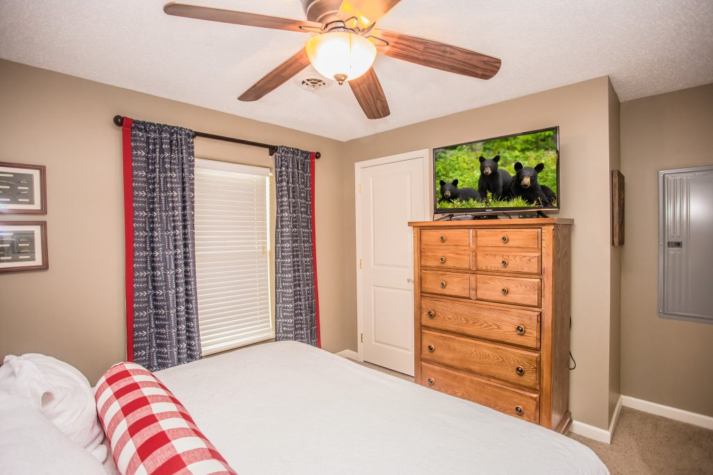 Photo of a Pigeon Forge Condo named Cedar Lodge 701 - This is the eighteenth photo in the set.