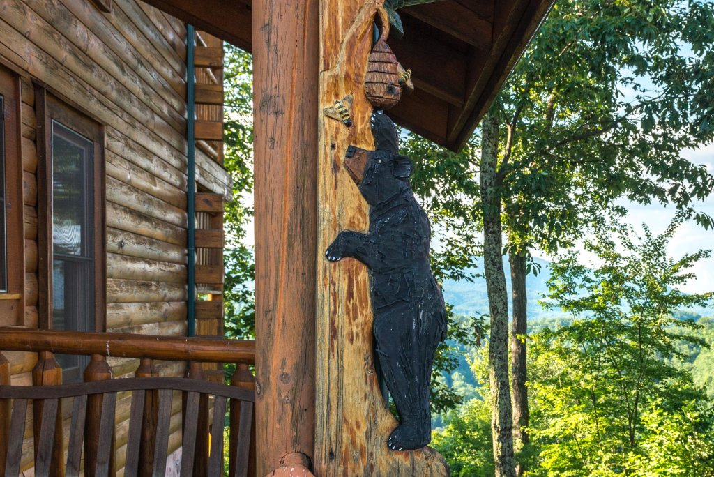 Photo of a Sevierville Cabin named Bearslide Inn Cabin - This is the seventh photo in the set.