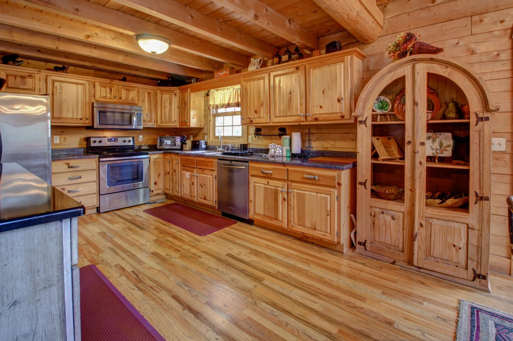 Photo of a Sevierville Cabin named Mystic Falls Lodge Cabin - This is the third photo in the set.