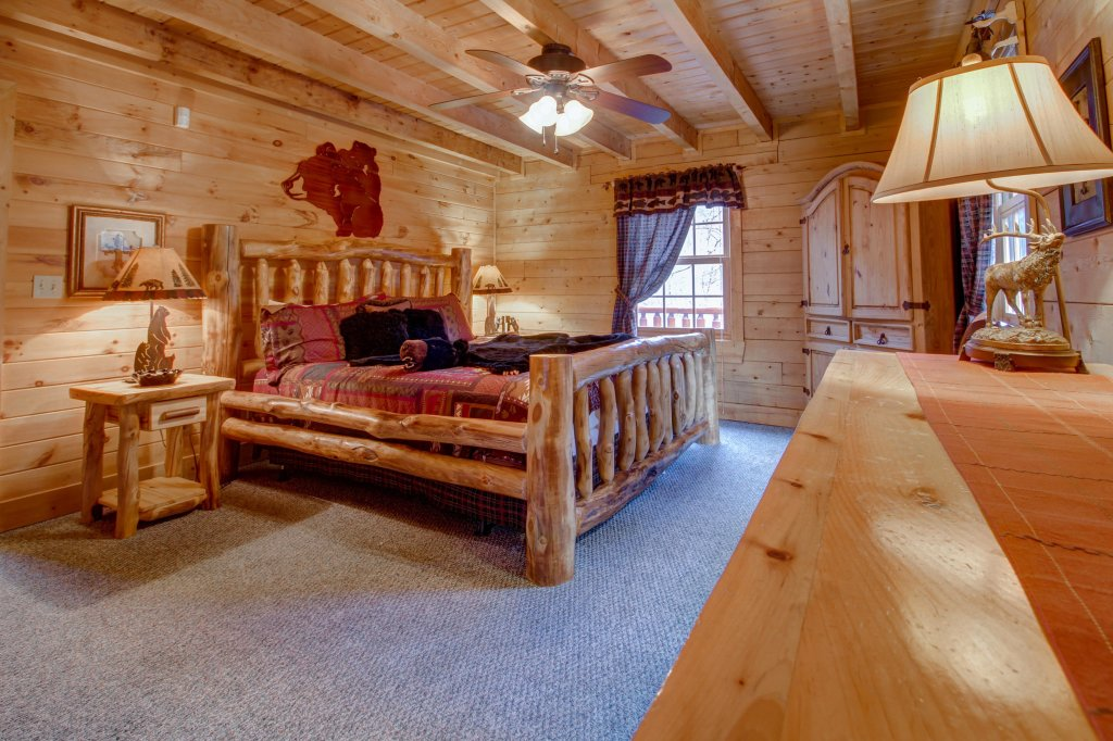 Photo of a Sevierville Cabin named Mystic Falls Lodge Cabin - This is the eleventh photo in the set.