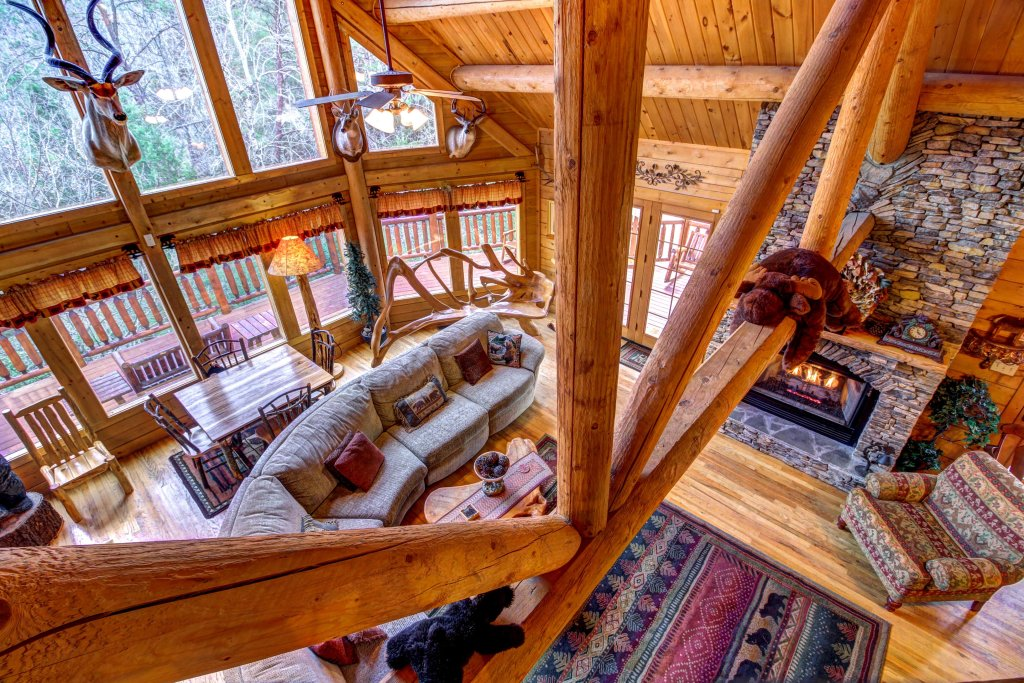 Photo of a Sevierville Cabin named Mystic Falls Lodge Cabin - This is the twelfth photo in the set.