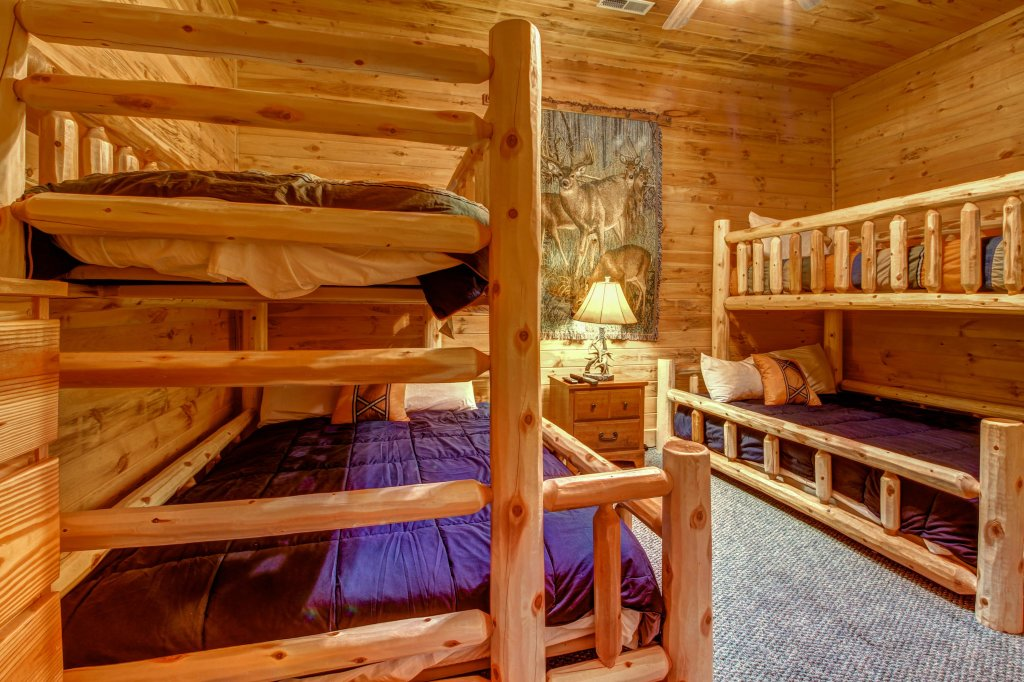 Photo of a Sevierville Cabin named Mystic Falls Lodge Cabin - This is the seventeenth photo in the set.