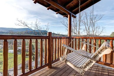 Mountain Paws Retreat, 5 Bedrooms, Pool Table, Arcade, Sleeps 18