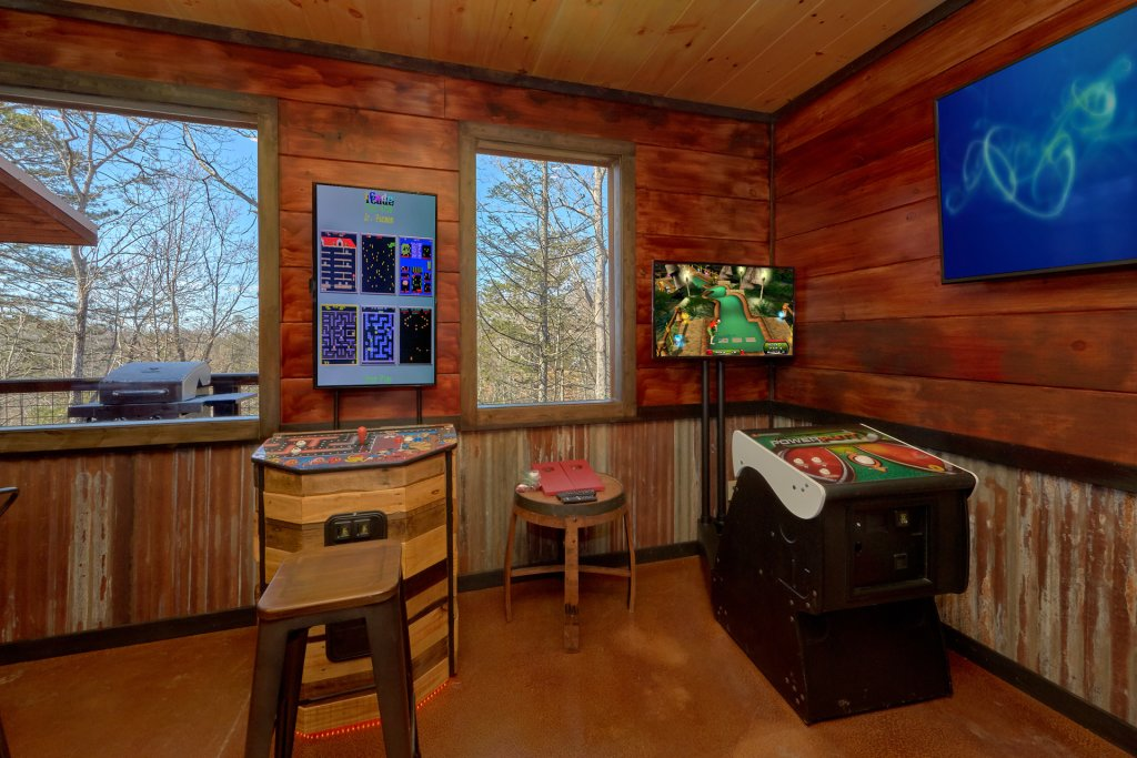 Photo of a Gatlinburg Cabin named Copper Creek Lodge - This is the seventh photo in the set.