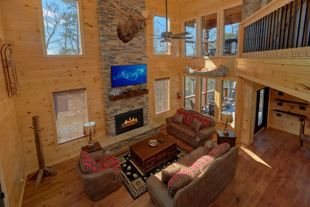 Photo of a Gatlinburg Cabin named Copper Creek Lodge - This is the sixteenth photo in the set.