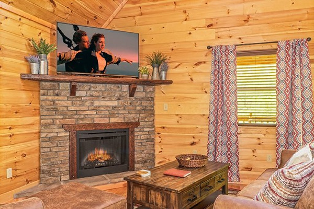 Photo of a Gatlinburg Cabin named Relaxation Ridge - This is the fifth photo in the set.