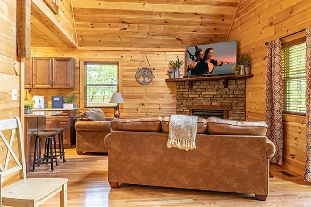 Photo of a Gatlinburg Cabin named Relaxation Ridge - This is the third photo in the set.