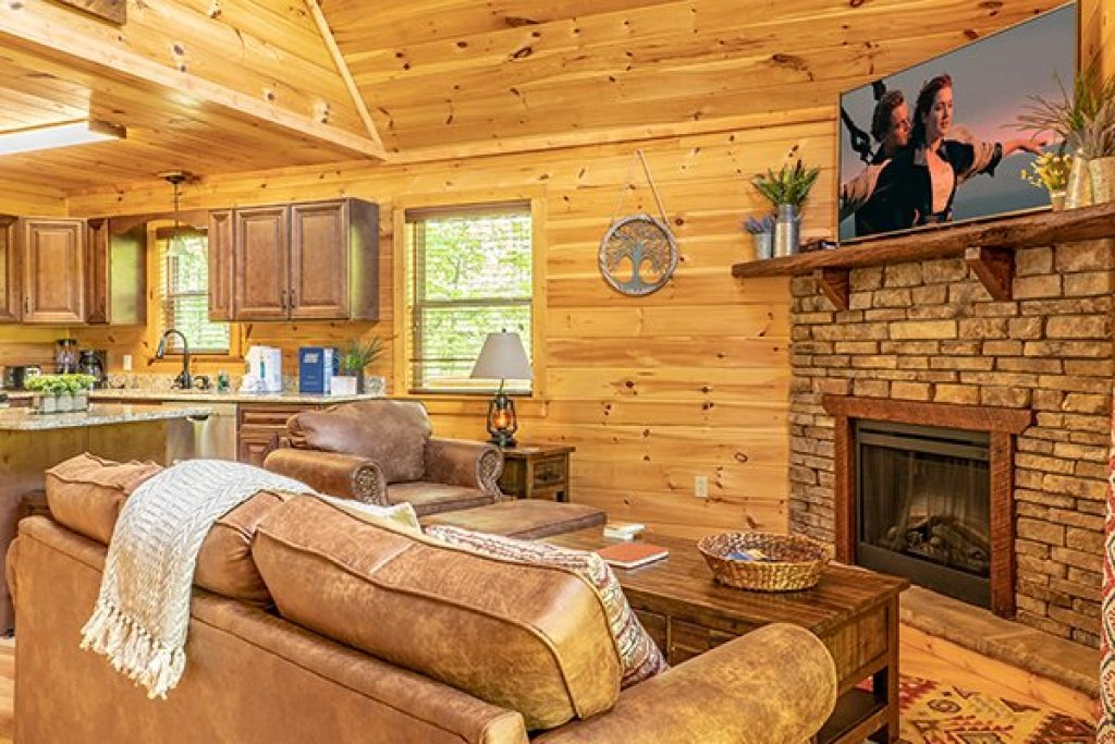 Photo of a Gatlinburg Cabin named Relaxation Ridge - This is the fourth photo in the set.