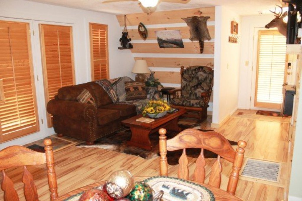Photo of a Pigeon Forge Cabin named Smokey Max Chalet - This is the seventh photo in the set.