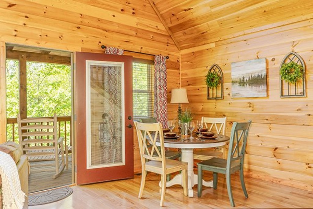 Photo of a Gatlinburg Cabin named Relaxation Ridge - This is the ninth photo in the set.