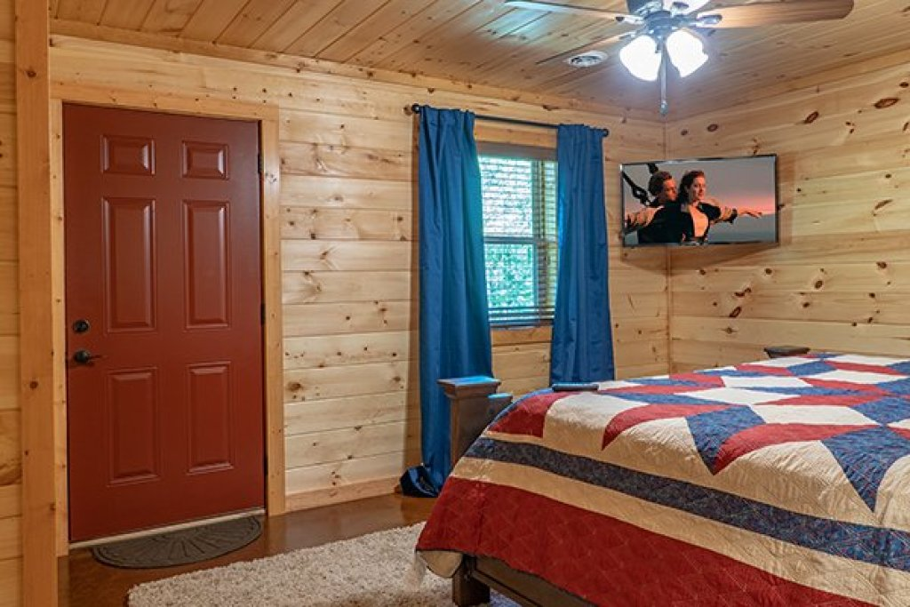 Photo of a Gatlinburg Cabin named Relaxation Ridge - This is the eighteenth photo in the set.
