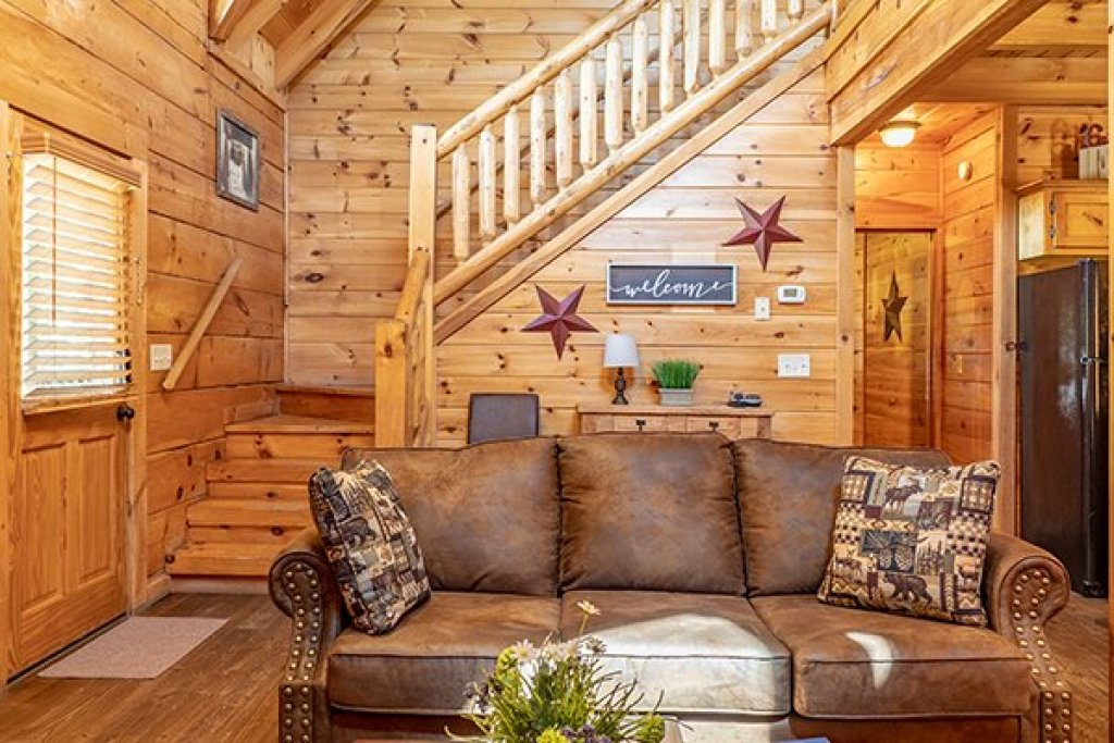 Photo of a Pigeon Forge Cabin named Livin' Simple - This is the seventh photo in the set.