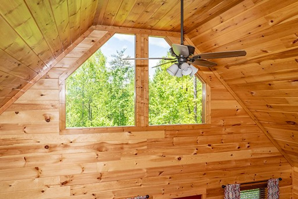 Photo of a Gatlinburg Cabin named Relaxation Ridge - This is the thirty-first photo in the set.