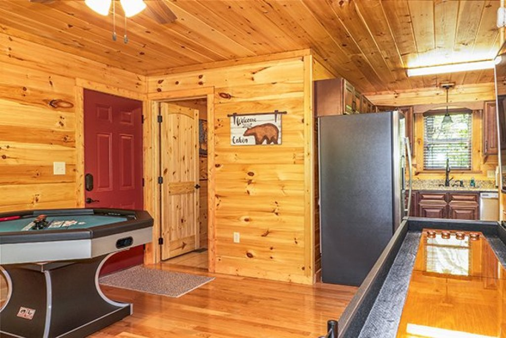 Photo of a Gatlinburg Cabin named Relaxation Ridge - This is the twenty-second photo in the set.