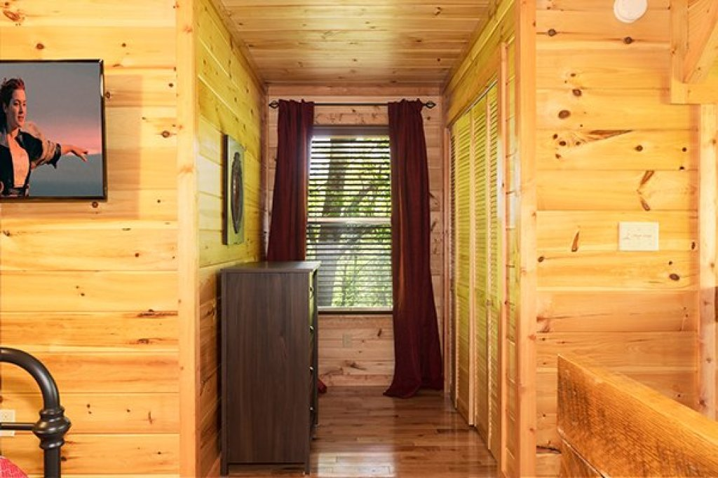 Photo of a Gatlinburg Cabin named Relaxation Ridge - This is the twenty-ninth photo in the set.