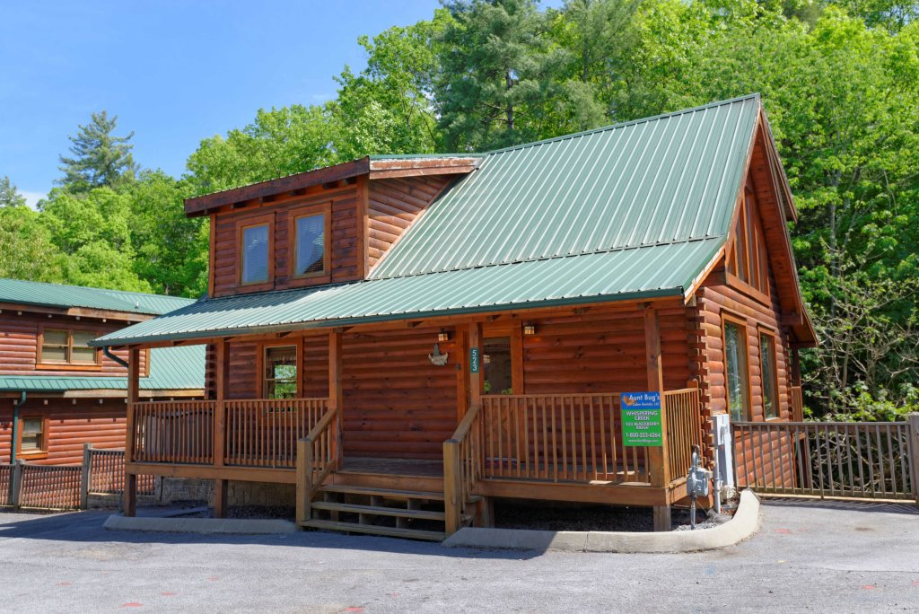 Photo of a Pigeon Forge Cabin named Whispering Creek #302 - This is the first photo in the set.