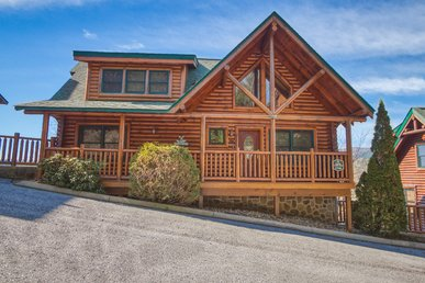 Pigeon Forge 5br Cabin With Amazing Views, Pool Access, Video Arcade Games