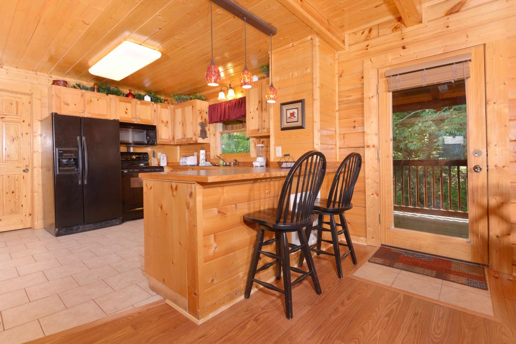 Photo of a Pigeon Forge Cabin named Whispering Creek #302 - This is the seventeenth photo in the set.