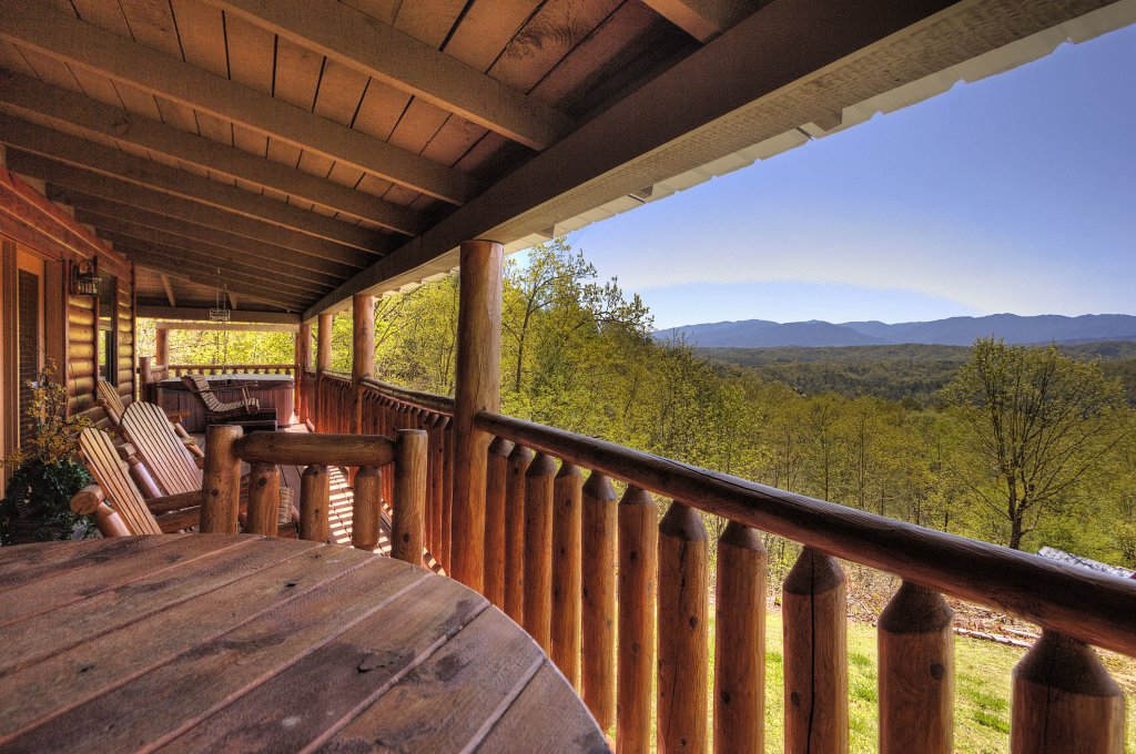 Photo of a Pigeon Forge Cabin named Grandpa Bear's View #233 - This is the twenty-first photo in the set.