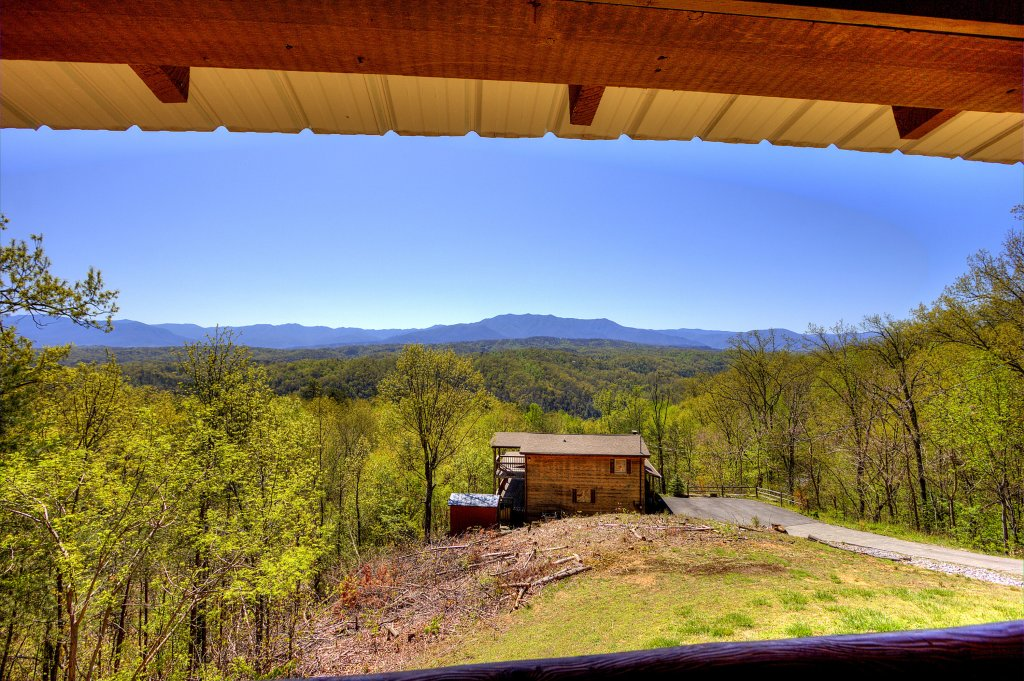 Photo of a Pigeon Forge Cabin named Grandpa Bear's View #233 - This is the forty-seventh photo in the set.