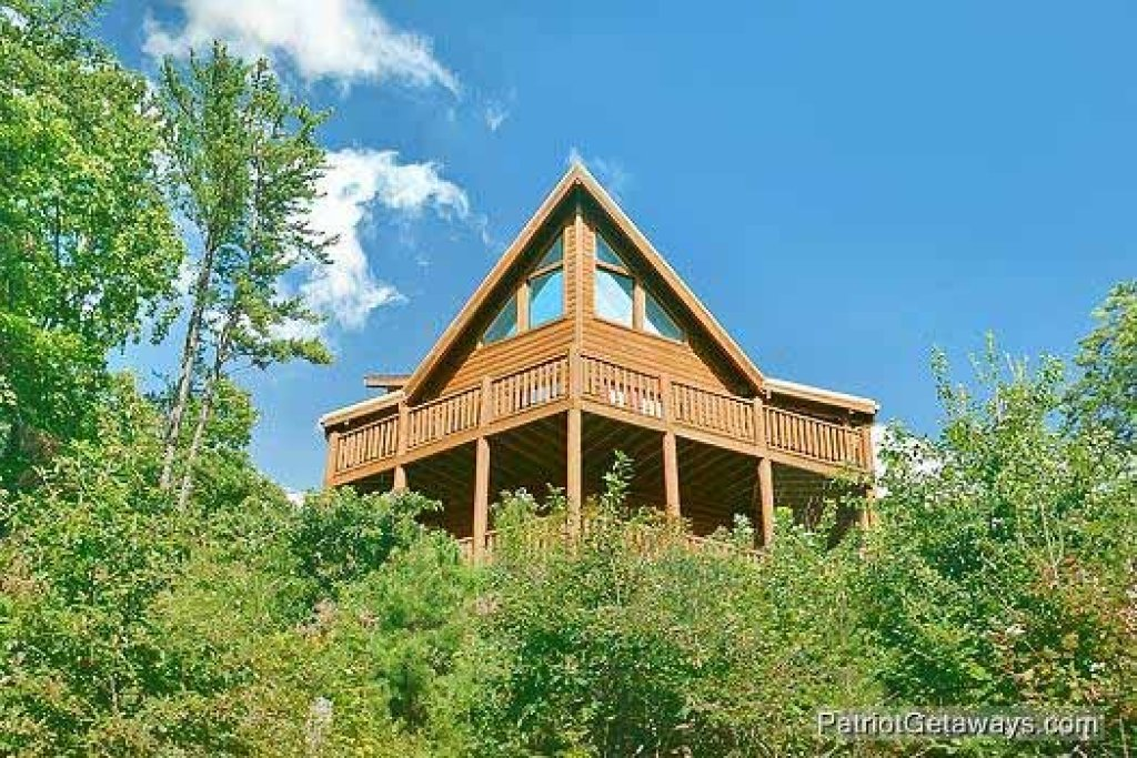 Photo of a Sevierville Cabin named Tennessee Dreamer - This is the second photo in the set.