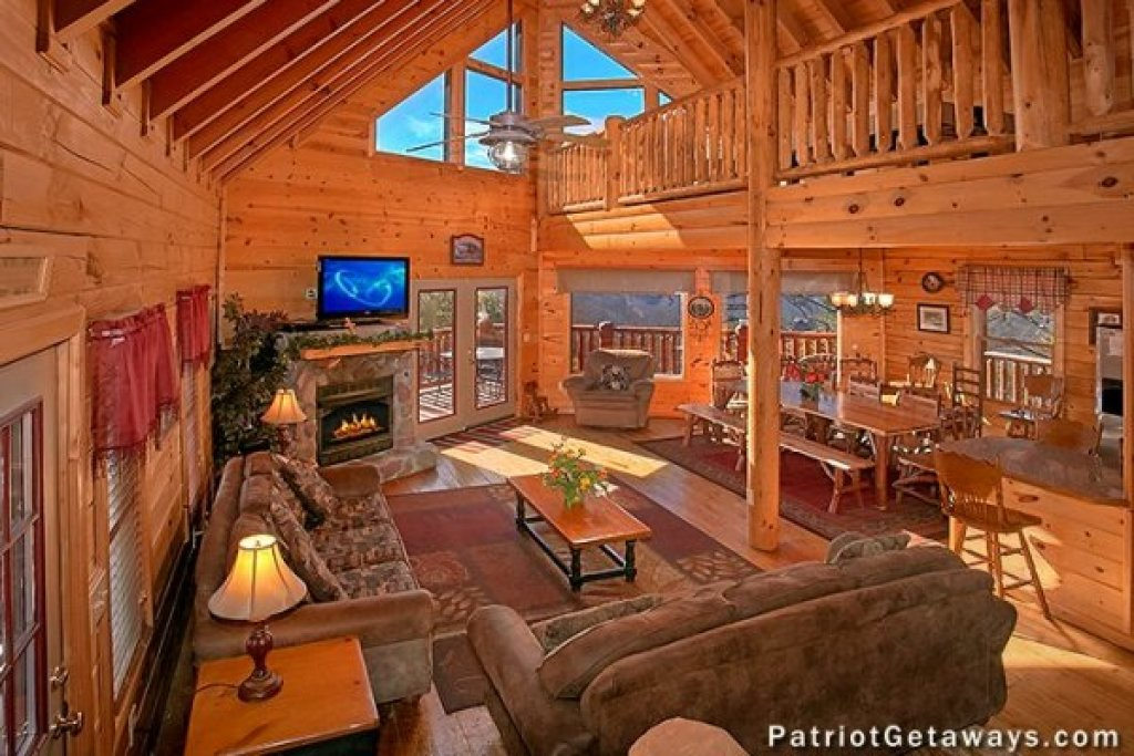 Photo of a Sevierville Cabin named Tennessee Dreamer - This is the fourth photo in the set.