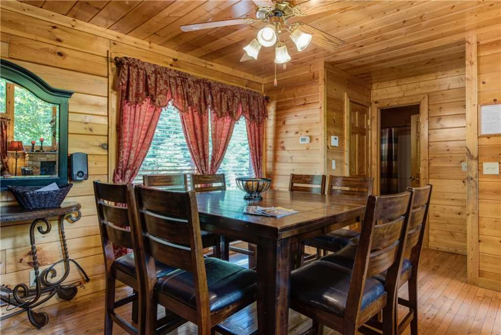 Photo of a Sevierville Cabin named Simple Elegance - This is the sixth photo in the set.