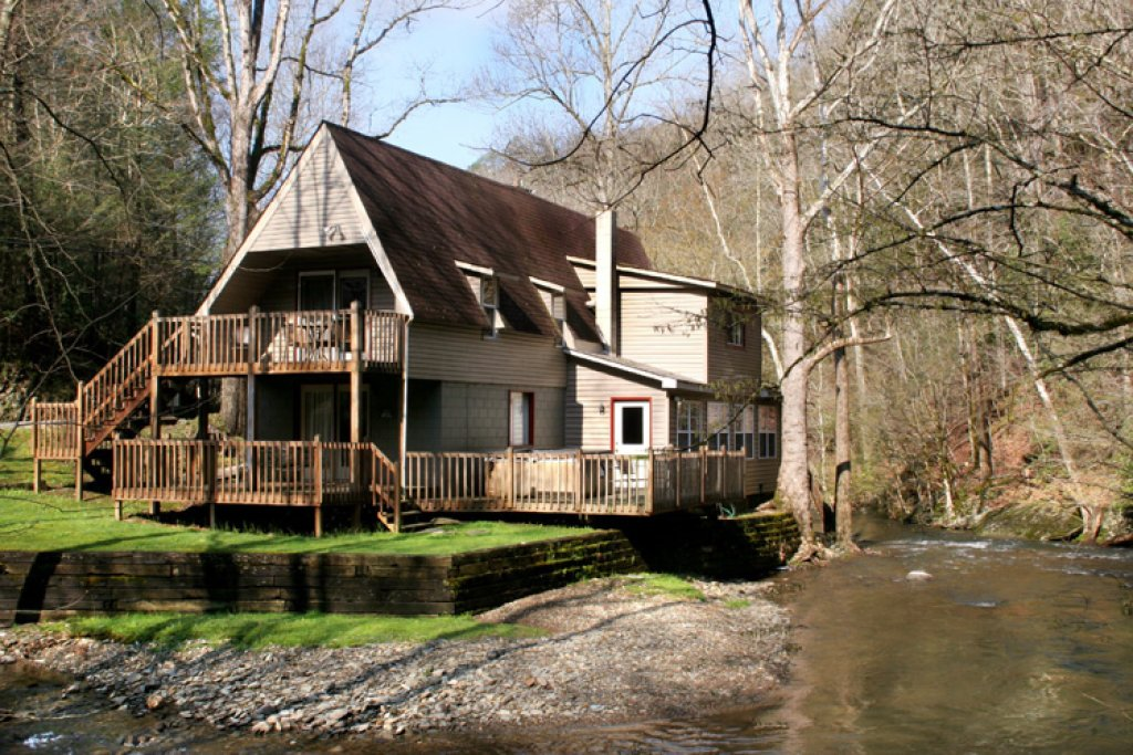 Photo of a Sevierville Cabin named Brook Trout Chalet - This is the first photo in the set.