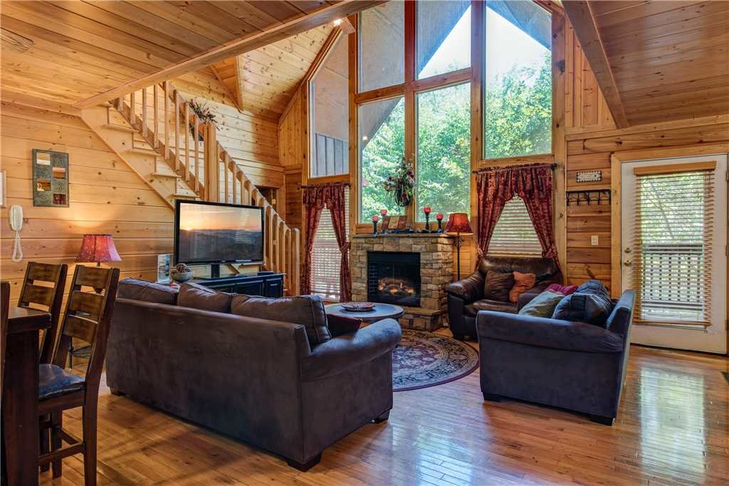 Photo of a Sevierville Cabin named Simple Elegance - This is the second photo in the set.