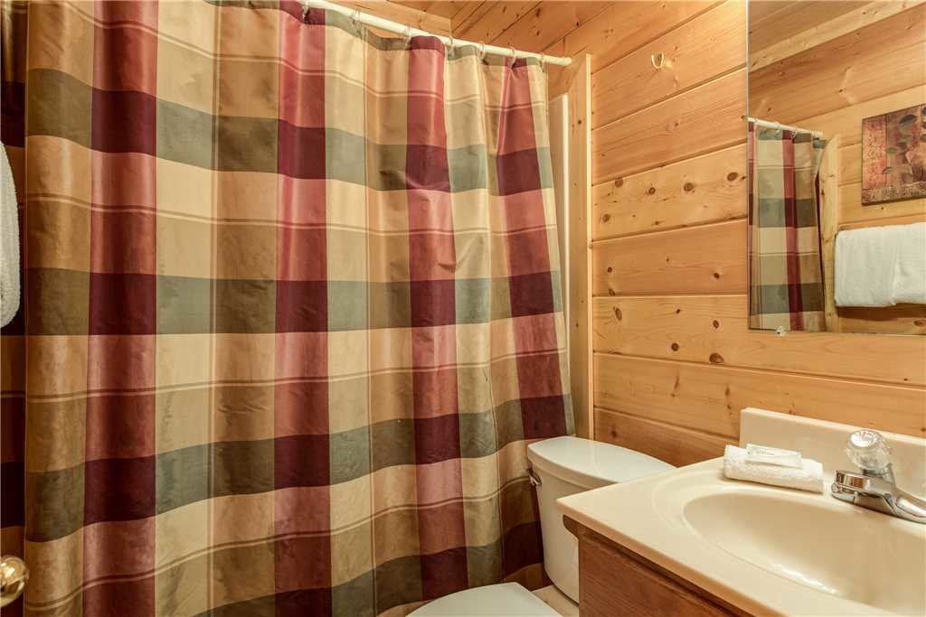 Photo of a Sevierville Cabin named Simple Elegance - This is the twentieth photo in the set.