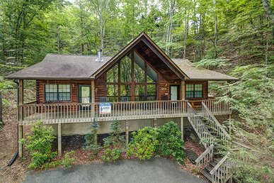 2 Bedroom, 2 Bath Charming Deluxe Cabin For 7, Semi-secluded In A Resort Setting