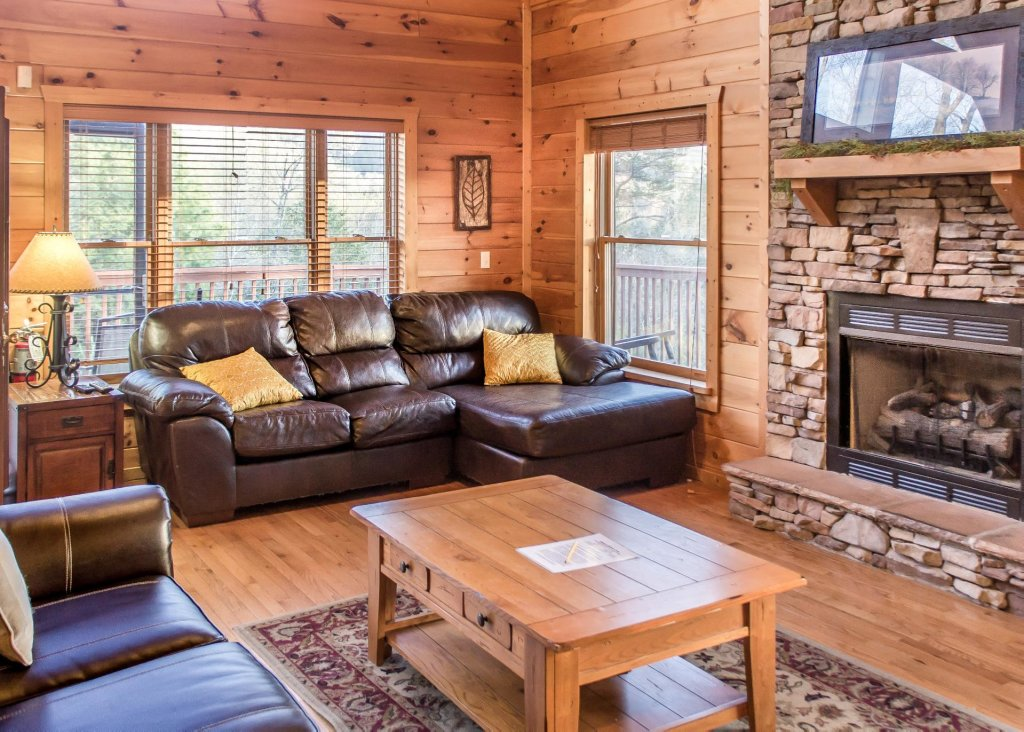 Photo of a Pigeon Forge Chalet named Birchwood Lodge - This is the fifth photo in the set.