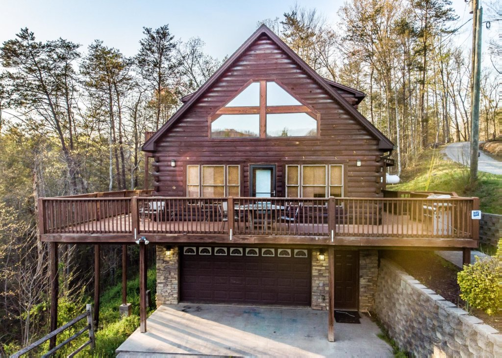 Photo of a Pigeon Forge Chalet named Birchwood Lodge - This is the third photo in the set.