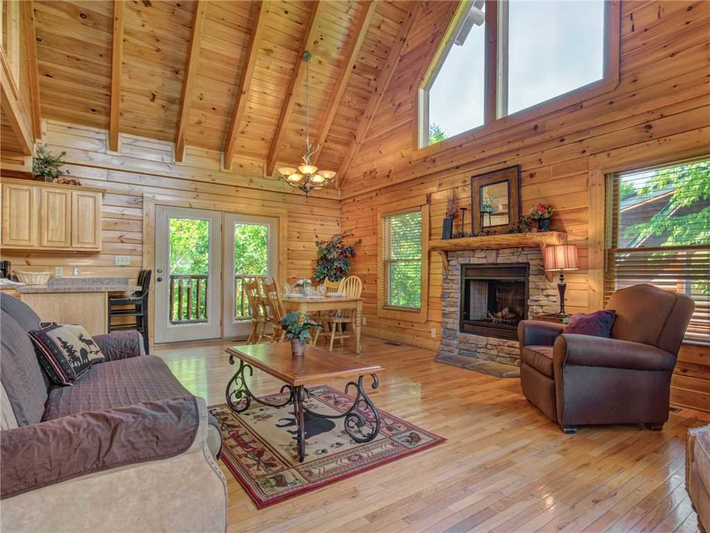Photo of a Pigeon Forge Cabin named Topsy - This is the third photo in the set.