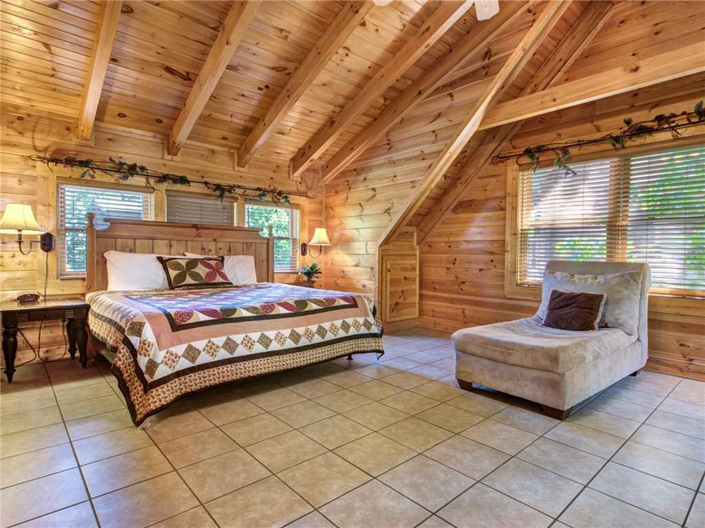 Photo of a Pigeon Forge Cabin named Topsy - This is the eighth photo in the set.