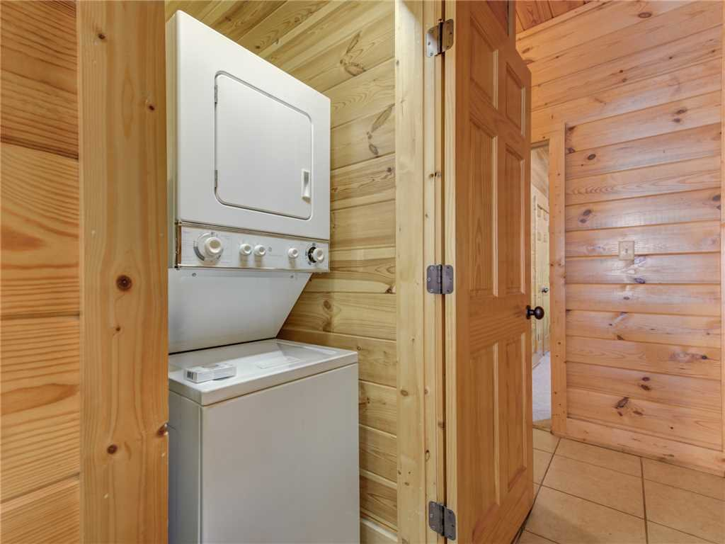 Photo of a Pigeon Forge Cabin named Topsy - This is the twenty-first photo in the set.