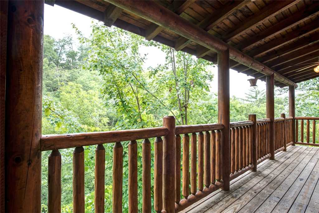 Photo of a Pigeon Forge Cabin named Bear Creek Lodge Covered Bridge - This is the sixty-sixth photo in the set.